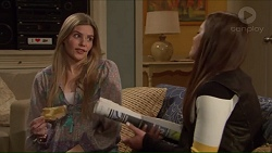 Amber Turner, Paige Novak in Neighbours Episode 7228