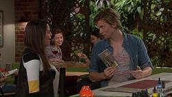 Paige Novak, Daniel Robinson in Neighbours Episode 7228