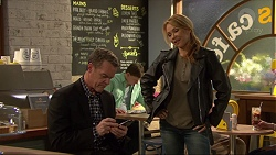 Paul Robinson, Steph Scully in Neighbours Episode 7231