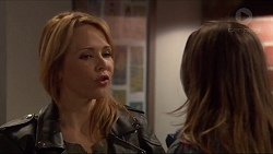 Steph Scully, Amy Williams in Neighbours Episode 7233