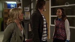 Lauren Turner, Brad Willis, Imogen Willis in Neighbours Episode 7241