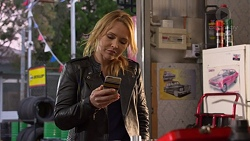 Steph Scully in Neighbours Episode 7242