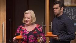Sheila Canning, Nate Kinski in Neighbours Episode 7243