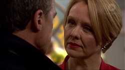 Paul Robinson, Sue Parker in Neighbours Episode 7244