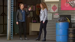 Steph Scully, Belinda Bell in Neighbours Episode 7248