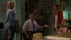 Steph Scully, Toadie Rebecchi, Sonya Rebecchi in Neighbours Episode 7251