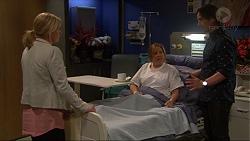 Lauren Turner, Terese Willis, Brad Willis in Neighbours Episode 7252