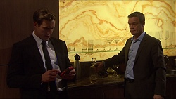 Aaron Brennan, Paul Robinson in Neighbours Episode 7256