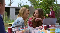 Paul Robinson, Steph Scully, Amy Williams, Jimmy Williams in Neighbours Episode 7259
