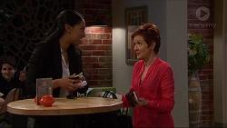 Shay Daeng, Susan Kennedy in Neighbours Episode 7260