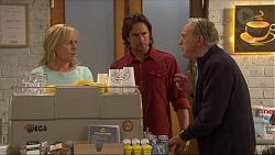 Lauren Turner, Brad Willis, Doug Willis in Neighbours Episode 7261