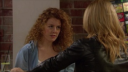 Belinda Bell, Steph Scully in Neighbours Episode 7263