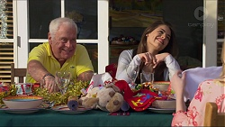 Lou Carpenter, Paige Novak in Neighbours Episode 7268