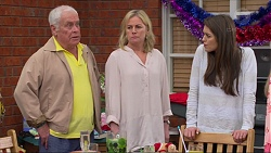 Lou Carpenter, Lauren Turner, Paige Novak in Neighbours Episode 7268