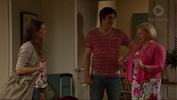 Indiana Crowe, Kyle Canning, Sheila Canning in Neighbours Episode 7268