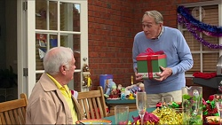 Lou Carpenter, Doug Willis in Neighbours Episode 7268