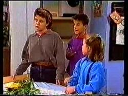 Lucy Robinson, Todd Landers, Katie Landers in Neighbours Episode 0769
