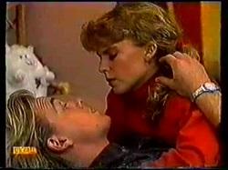 Scott Robinson, Charlene Robinson in Neighbours Episode 0770