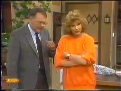Harold Bishop, Madge Bishop in Neighbours Episode 0771