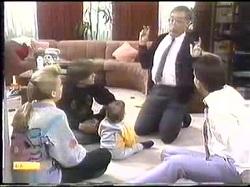 Bronwyn Davies, Mike Young, Jamie Clarke, Harold Bishop, Des Clarke in Neighbours Episode 0774