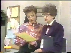 Gail Robinson, Nell Mangel in Neighbours Episode 0774