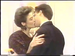 Gail Robinson, Paul Robinson in Neighbours Episode 0774