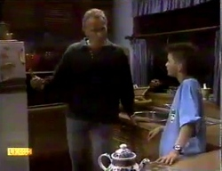 Jim Robinson, Todd Landers in Neighbours Episode 0869