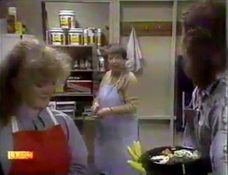 Sharon Davies, Edith Chubb, Henry Ramsay in Neighbours Episode 0869