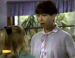 Katie Landers, Hilary Robinson in Neighbours Episode 0870
