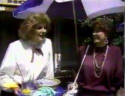 Madge Bishop, Gloria Lewis in Neighbours Episode 0870