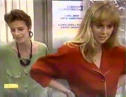 Gail Robinson, Jane Harris in Neighbours Episode 0871