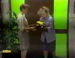 Bronwyn Davies, Sharon Davies in Neighbours Episode 0871