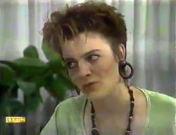 Gail Robinson in Neighbours Episode 0871