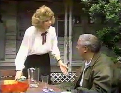 Madge Bishop, Rob Lewis in Neighbours Episode 0871