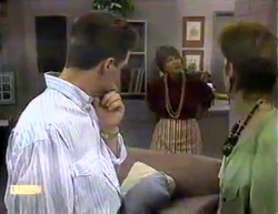 Paul Robinson, Gloria Lewis, Gail Robinson in Neighbours Episode 0871