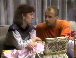 Beverly Marshall, Jim Robinson in Neighbours Episode 0872