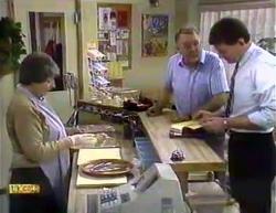 Edith Chubb, Harold Bishop, Des Clarke in Neighbours Episode 0872
