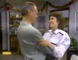 Jim Robinson, Beverly Robinson in Neighbours Episode 0872