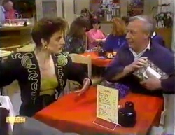 Gail Robinson, Rob Lewis in Neighbours Episode 0872