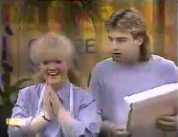 Sharon Davies, Nick Page in Neighbours Episode 0872
