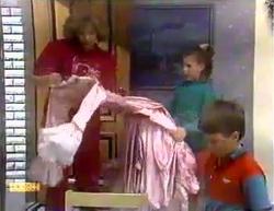 Madge Bishop, Katie Landers, Toby Mangel in Neighbours Episode 0873