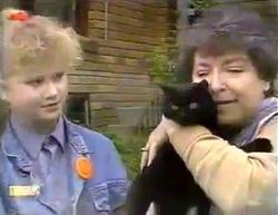 Sharon Davies, Arthur, Edith Chubb in Neighbours Episode 0873