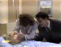 Helen Daniels, Beverly Marshall, Paul Robinson in Neighbours Episode 0874