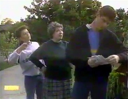 Todd Landers, Edith Chubb, Joe Mangel in Neighbours Episode 0874