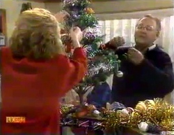 Madge Bishop, Harold Bishop in Neighbours Episode 0875