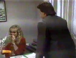 Jane Harris, Mark Granger in Neighbours Episode 0875