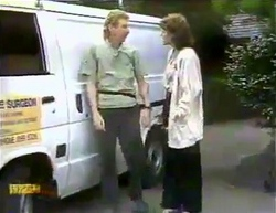 Tree Surgeon, Beverly Marshall in Neighbours Episode 0875