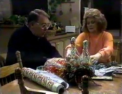 Harold Bishop, Madge Bishop in Neighbours Episode 0876