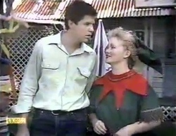 Joe Mangel, Sharon Davies in Neighbours Episode 0876