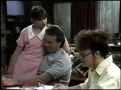 Cody Willis, Doug Willis, Pam Willis in Neighbours Episode 1396